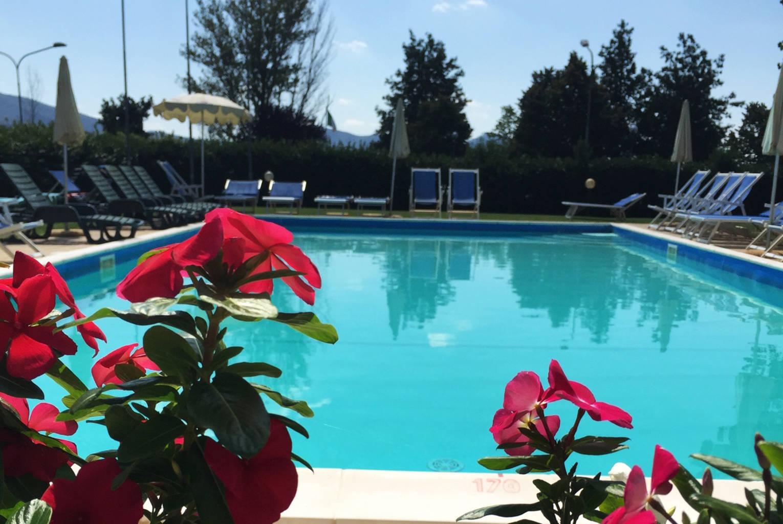 hotel con piscina trasimeno 7