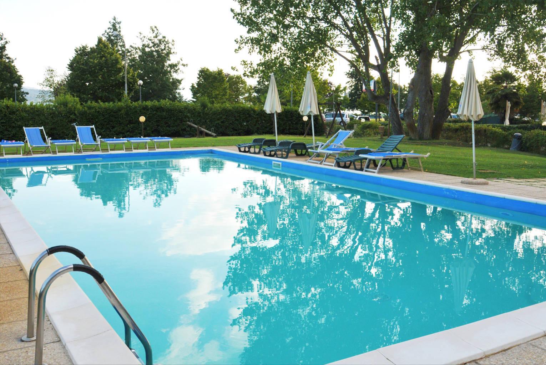 hotel con piscina trasimeno 6