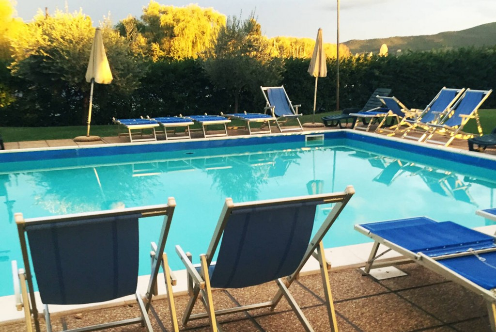 hotel con piscina trasimeno 5